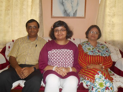 Dristhi De with her proud parents