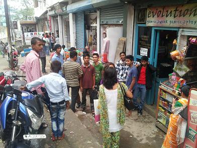 Students flocking a cyber cafe to check their SSLC, HSSLC result on Monday