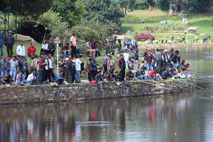 """Anglers competing to catch the biggest fish during the """"Catch & Release Angling Competition"""" organsied by the Meghalaya State Aquaculture Mission (MSAM) at Wards Lake on Monday"""